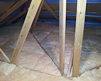 Perfectly installed R3.5 bulk insulation around the roof truss joins.