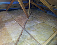 Perfectly installed R3.5 bulk insulation into the corners of the roof.
